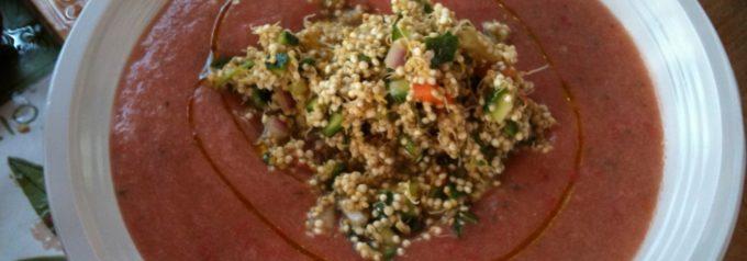 Insalata di quinoa germogliata e gazpacho